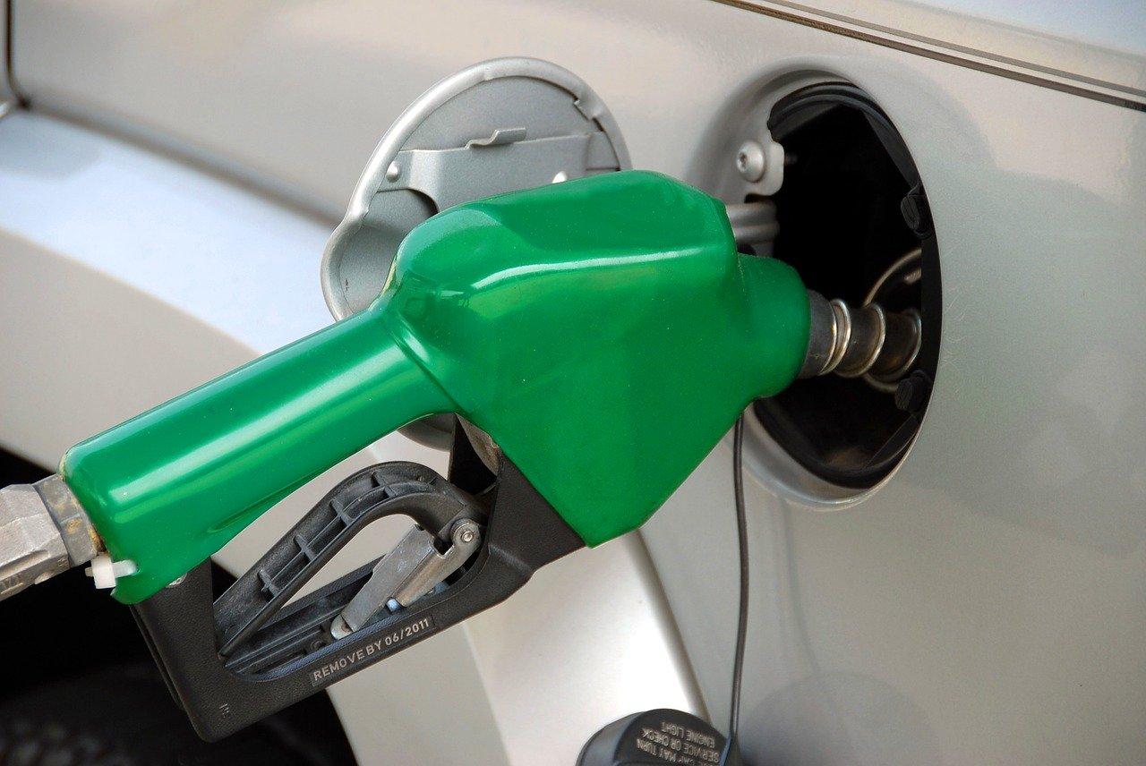 surtidor de combustible personalizado en casa